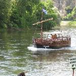 A boat ride on the Dordogne River.