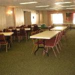 Φωτογραφία: The Cottage Restaurant and Red Carpet Inn and Suites
