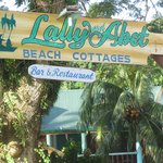 Lally and Abet Beach Cottages resmi