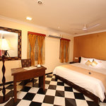 Meenakshi's Sunshine Hotel