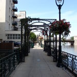 Milwaukee River Bike Trail