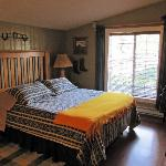 7 Acres Bed & Breakfast