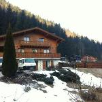 note the hot-tub to the right to soothe the muscles after Robin takes you out for a Ski tour of