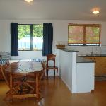 Fully equipped kitchen & single daybed