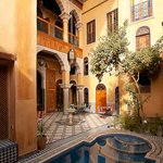 Riad Layalina