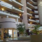 Embassy Suites Hotel Orlando - International Drive / Jamaican resmi