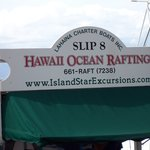 Photo de Hawaii Ocean Rafting day tours