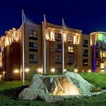 Holiday Inn Express Hotel &amp; Suites Riverport