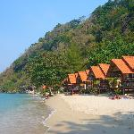 White Sand Beach Resort resmi