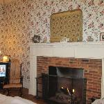  Our king room with fireplace