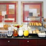 Comfort Inn & Suites breakfast
