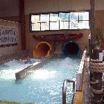 Six Flags Great Escape Lodge & Indoor Waterpark resmi
