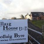phot showing the luxury s/catering byre in the foreground with the farmhouse (B&B) accom in the