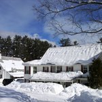 A twenty room lodge, just 1 mile from Cranmore Ski Resort