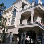  Manira Apartment Hotel