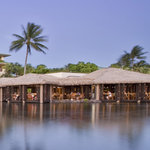 Bungalow dining over lagoons