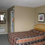  Comfortable standard room with 2 double beds
