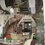 Hill Station has homey ambiance and offers good food.