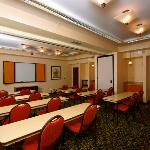 Our hotel offers flexible meeting space for your groups or functions at a reasonable cost.