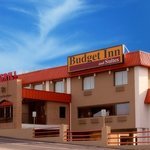 Budget Inn & Suites