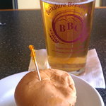 $1.50 slider and local brew