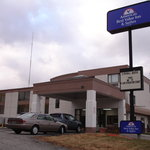Econo Lodge Inn &amp; Suites Kansas City