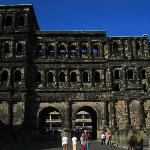 Photo de Black Gate (Porta Nigra)