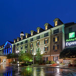 ‪Holiday Inn Express @ Williamsburg Square, State College‬