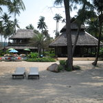  Reception and restaurant seen from the beach