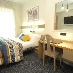 Qualcosa in piu': letto queen size, TV LCD 32 pollici, SKY vision Gold, Internet Access Wireless