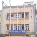  Modern Central Lodge