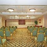 Planning a family reunion, wedding, or social function? Check out Holiday Inn banquet space!