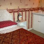 Lynden B & B Single, Sink in Room, Shared Bath)