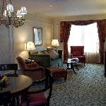 Executive Suite 744 sitting room