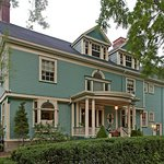 A B&amp;B at The Edward Harris House Inn
