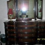  PHOTO OF BUREAU IN ONE OF THE GUEST ROOMS