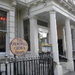 Photo of Cromwell Crown Hotel