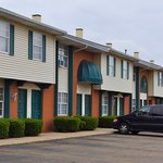 ‪Americas Best Value Inn & Suites Canton‬