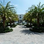  Vero Beach Museum of Art - view from path