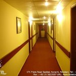Hotel Crown Inn is situated in the heart of the city, a great place lodging and dinning with new