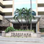 Photo de Tropicana Apartment Hotel