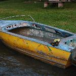 """Das Rainbow Motorboot"""