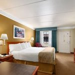  Baymont Inn &amp; Suites Houston Brookhollow