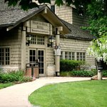 The Starved Rock Inn