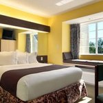 Microtel Inn & Suites by Wyndham Columbus North resmi