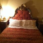 The red room- such a comfy bed