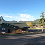 Mountain Hi Lodge & Cabins
