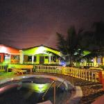 Photo de Hotel Rainbow Village