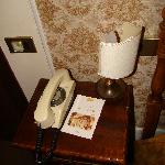  Hotel Roma e Pace - single room - oooooold phone