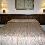  1 QUEEN BED SUITE